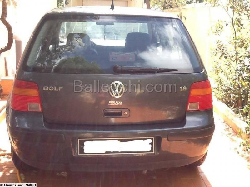 a vendre golf 4 essence 1 6 vehicules voitures ref 53621 annonce tunisie. Black Bedroom Furniture Sets. Home Design Ideas